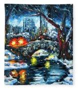 Midnight Stroll On The Gapstow Fleece Blanket