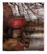 Mill - Clinton Nj - The Mill And Wheel Fleece Blanket