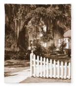 Mossy Live Oak And Picket Fence Fleece Blanket