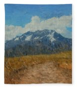 Mountains In Puru Fleece Blanket