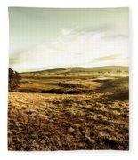 Oatlands Rolling Hills Fleece Blanket