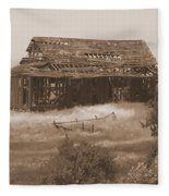 Old Barn In Oregon Fleece Blanket