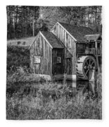 Old Grist Mill In Vermont Black And White Fleece Blanket