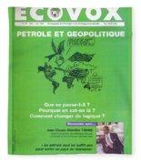 Petrole Et Geopolitique Fleece Blanket