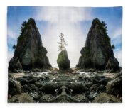 Point Of The Arches Reflection Fleece Blanket