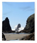 Powerful Sea Fleece Blanket