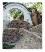Qingdao Moon Gate Fleece Blanket
