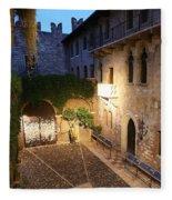 Romeo And Juliet 2 Fleece Blanket