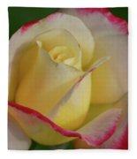 Rose 3913 Fleece Blanket