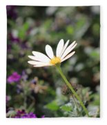 Single White Daisy On Purple Fleece Blanket