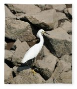 Snowy Egret On The Rocks Fleece Blanket