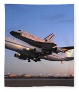 Space Shuttle Discovery Departs Edwards Afb September 20 2009 Fleece Blanket