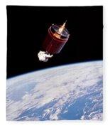 Stabilizing Spacecraft Fleece Blanket