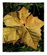 Sycamore Leaf Fleece Blanket