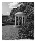 The Old Well At Chapel Hill In Black And White Fleece Blanket
