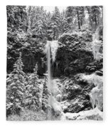Upper Falls In Snow's Cover Fleece Blanket