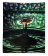 Water Drop Collision Fleece Blanket