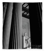 Abraham Lincoln Memorial Washington Dc Fleece Blanket by Edward Fielding