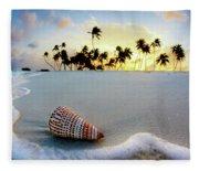 Gili Shell Fleece Blanket