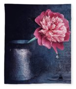Lonely Peony Fleece Blanket