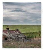Palouse Barn 9907 Fleece Blanket