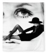 Twiggy Swinging 60's - Pop Art Fleece Blanket