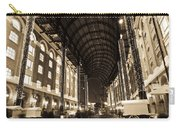 Hays Galleria London Carry-all Pouch