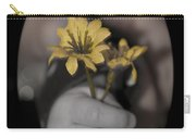 Carlee's Daisy Carry-all Pouch