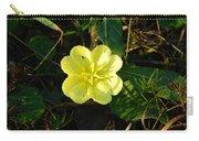 Fleur Jaune Couverte De Rosee Carry-all Pouch