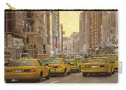 taxi a New York Carry-all Pouch