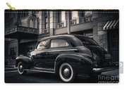 Vintage Chevrolet In 1934 New York City Carry-all Pouch