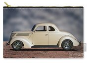 1939 Chevrolet White Coupe Carry-all Pouch