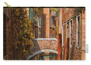 autunno a Venezia Carry-all Pouch