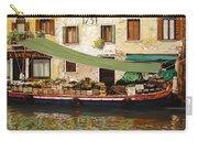 il mercato galleggiante a Venezia Carry-all Pouch