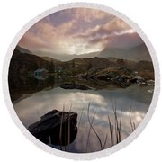 Llyn Ogwen Sunset Round Beach Towel