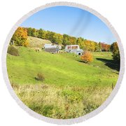 Maine Farm On Side Of Hill In Autumn Round Beach Towel