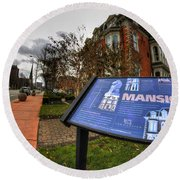 007 Mansion On Delaware Ave Round Beach Towel