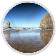 0238 Cannon Beach Oregon Round Beach Towel