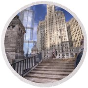 0499 Trump Tower And Wrigley Building Chicago Round Beach Towel