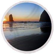 0519 Cannon Beach Sunset 3 Round Beach Towel
