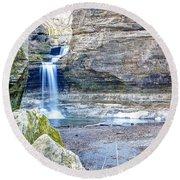 0940 Cascade Falls - Matthiessen State Park Round Beach Towel