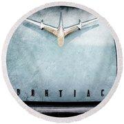 1955 Pontiac Safari Hood Ornament - Emblem Round Beach Towel