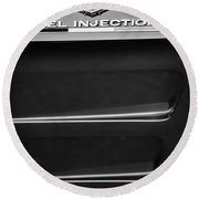 1963 Chevrolet Corvette Sting Ray Fuel-injection Split Window Coupe Emblem Round Beach Towel