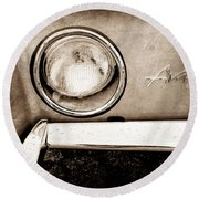 1963 Studebaker Avanti Emblem Round Beach Towel