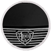1972 Lancia Fulvia 1.3s S2 Grille Emblem Round Beach Towel