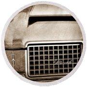 1972 Oldsmobile Grille Emblem Round Beach Towel