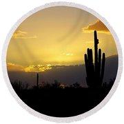 A Saguaro Sunset  Round Beach Towel