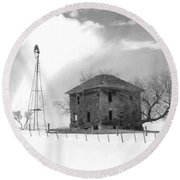 Abandoned Farmhouse Round Beach Towel