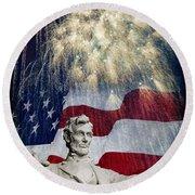 Abraham Lincoln Fireworks Round Beach Towel