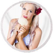 Beauty Woman With Clean Skin And Natural Makeup Round Beach Towel